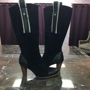 Sexy UGG Tess Boots Size 8